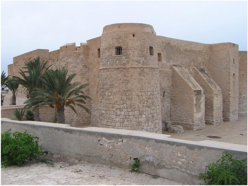 Borj el kebir djerba tunisie voyage tunisie - Office de tourisme djerba ...