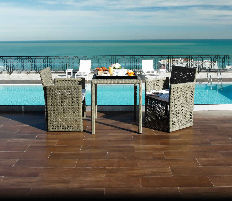 les meilleurs restaurants romantiques avec vue panoramique en tunisie voyage tunisie. Black Bedroom Furniture Sets. Home Design Ideas