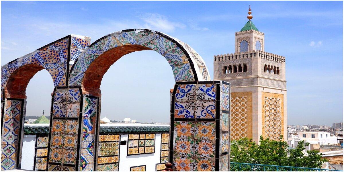 Tunis-min